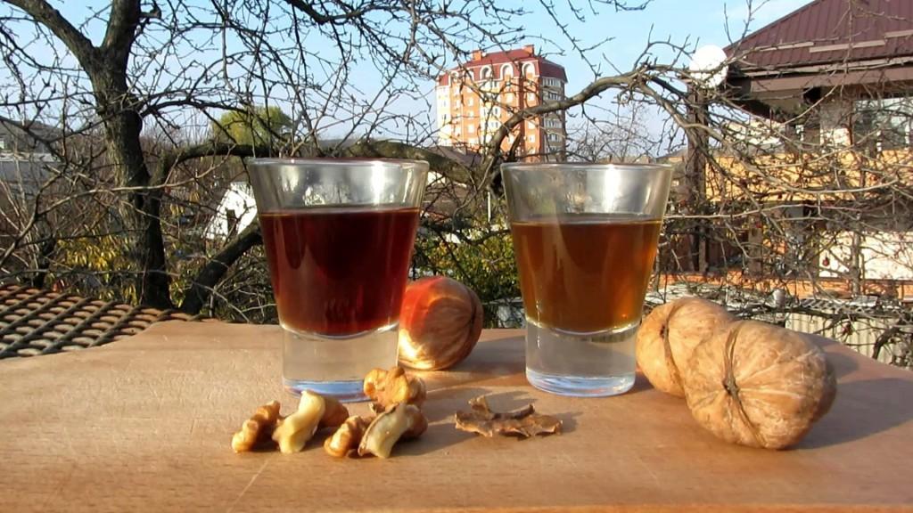 Самогон на скорлупе грецких орехов рецепт
