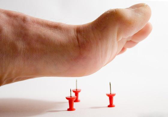 иголки в ногу